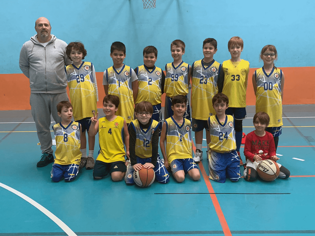 http://clubbaloncestoalcorcon.com/wp-content/uploads/2020/02/equipo-benjamin-1280.png