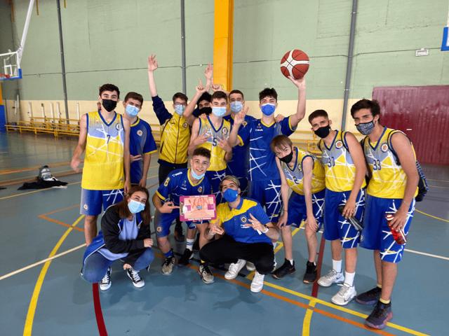 15/05/21. Junior Azul. CB Alcorcón vs Basket Veritas Blanco.