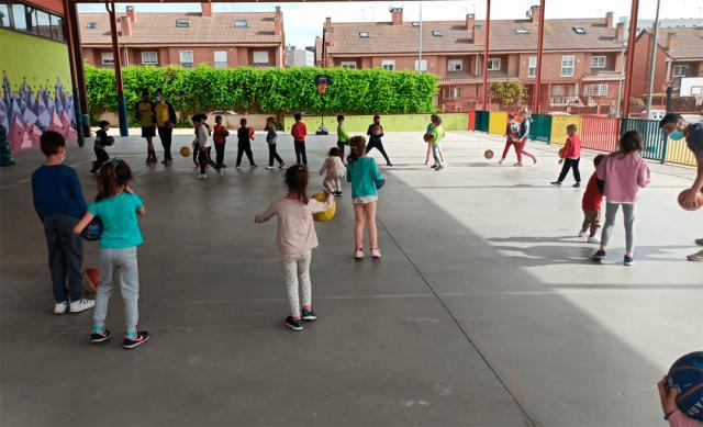 13/05/21. Escuela Baby Basket – Hora de imaginar