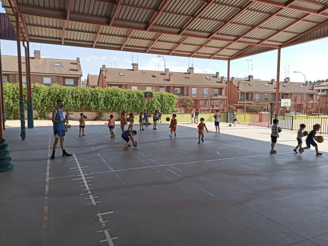 10/06/21. Escuela Babybasket. Visita sorpresa.